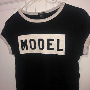 Forever 21 Model T-Shirt 🖤🗯